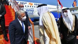 İsrail Dışişleri Bakanı Lapid'i, Bahreynli mevkidaşı El Zeyyani karşıladı.