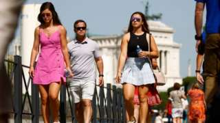 Італія запровадить ковід-перепустки для відвідин барів та ресторанів