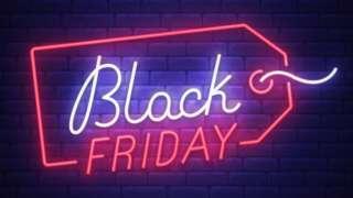 Letreiro colorido anuncia Black Friday