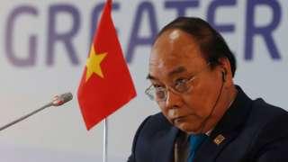 """Thủ tướng Chính phủ Việt Nam ra chỉ thị """"cách ly toàn xã hội"""" từ 1/4 để chống dịch COVID-19 gây hoang mang"""