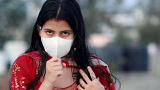 कोरोना वायरस के लक्षण क्या हैं और कैसे कर सकते हैं बचाव