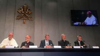 Autoridades eclesiais reunidas em evento