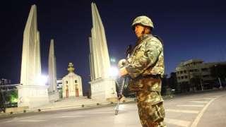 ทหารยืนประจำการ