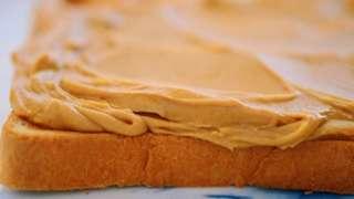 Да ли би путер од кикирикија могао да буде бољи у смутију него намазан на хлеб?