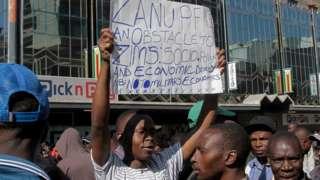 Awọn ọmọ orilẹede Zimbabwe n fẹhonu han