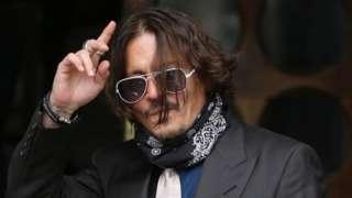 Johnny Depp, dövmesine güldüğü için eski eşi Heard'e tokat attığı iddiasını reddetti
