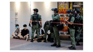 Protestolarda 298 kişinin gözaltına alındığı bildirildi.
