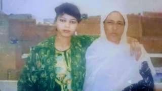 Nabila e a mãe