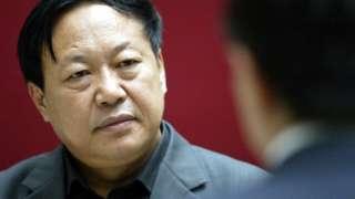 ဘီလျံနာ ဆန်း ဒဝူဟာ တရုတ်နိုင်ငံရဲ့အကြီးမားဆုံး မွေးမြူရေးလုပ်ငန်းကြီး တခုကို စီမံခန့်ခွဲနေသူဖြစ်