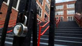 Escola fechada em NY