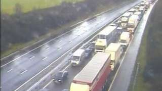 Queuing traffic on M5