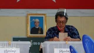 ၂၀၂၀ ရွေးကောက်ပွဲမှာ ကြိုတင်မဲပေးသူ တစ်ဦး