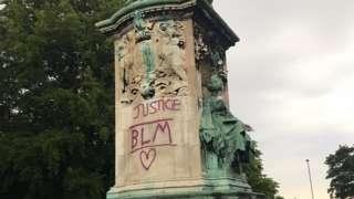 Queen Victoria statue in Leeds