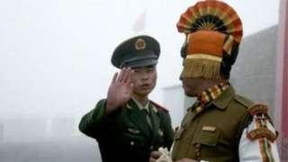 भारत आणि चिनी सैनिक