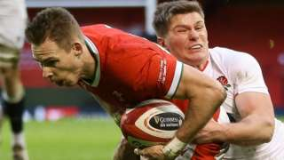 Liam Williams scores for Wales