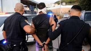 İsrail polisinin yeniden yakaladığı mahkumlardan biri Zekeriya Zübeydi.