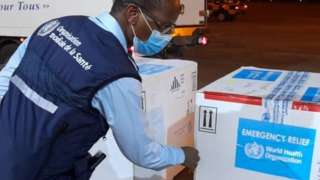 The consignment of vaccines arriving in Guinea