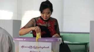 မဲပေးခဲ့ခြင်းကြောင့် ရရှိတဲ့အကျိုးအမြတ်ဆိုရင်တော့ ဒီမိုကရေစီအခွင့်အရေးတခုကို မဲပေးသူက ရလိုက် တာဖြစ်တယ်