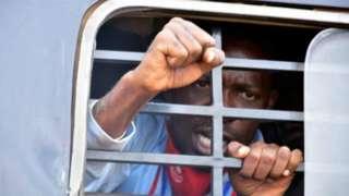 Bobi Wine ni umwe mu bakandida 11 bahatanira kuba perezida wa Uganda