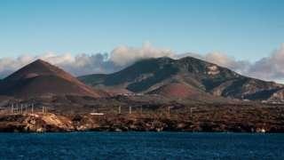 La Isla de Ascensión es un terreno volcánico ubicado en medio del Atlántico entre Brasil y Angola.