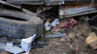 من صور الحادث الذي توفي فيه 26 شخصا وأصيب 18 حين انقلبت حافلة تقل شبابا في رحلة ترفيهية إلى منطقة جبليّة شمال غرب تونس.
