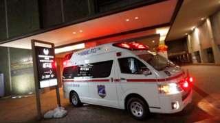 Xe cấp cứu sau trận động đất ở ngoài khơi tỉnh Fukushima