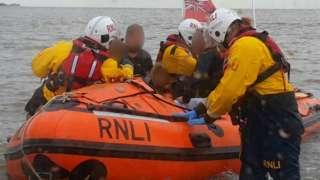 RNLI rescue in Middle Hilbre