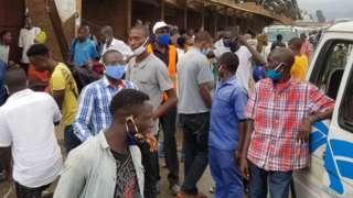 abategereye bisi ahahora isoko ya Bujumbura