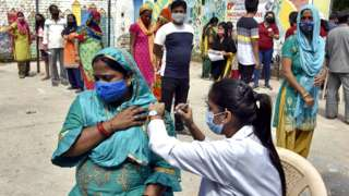 A vaccination drive in Chanakyapuri, on 18 September 2021 in New Delhi, India