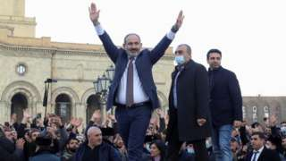 Armenian Prime Minister Nikol Pashinyan greets his supporters in central Yerevan. Photo: 25 February 2021