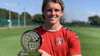 Conor Gallagher with the EFL Young Player of the Month award for August