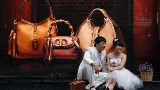 Quyết định 588 của Thủ tướng chính phủ khuyến khích người trẻ 'cưới trước 30, sinh con sớm'