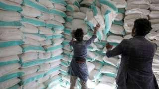 전 세계 수백만 명이 식량 원조에 의지하고 있다
