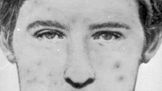 فاتل کا چیچک زدہ چہرے کا خاکہ