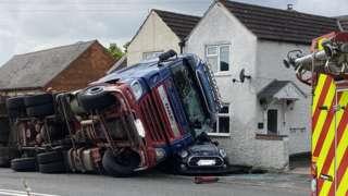Lorry crash in Upper Broughton