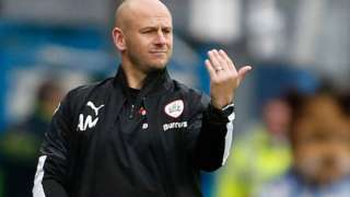 Adam Murray gestures to his Barnsley players