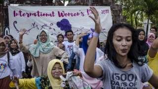 "Indonesian women perform dance during celebrates International Women""s Day on March 8, 2017 in Yogyakarta, Indonesia"