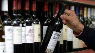 زجاجات نبيذ
