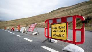 Coronavirus signs on the A470 near Pen-y-Fan