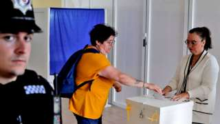 Woman votes in referendum