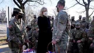 Джилл Байден благодарит военнослужащих