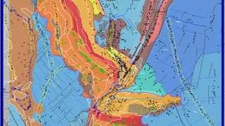 La banda roja de roca, el batolito mediano, debería viajar hasta Zelandia en una línea diagonal, pero en cambio se ha torcido y deformado.