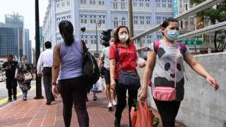 Singapore sẽ 'chuyển sáng trạng thái bình thường mới' và 'sống chung với Covid-19'