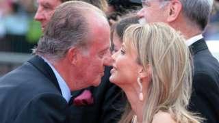 2006年,卡洛斯國王和賽恩-維特根施泰因在巴塞羅那參加一次頒獎儀式