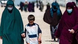 women in al-hol camp