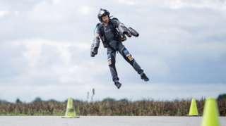 有公司表示,越来越多的普通民众希望体验喷气背包。