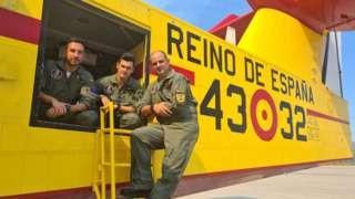 """İspanya'nın Türkiye'ye iki itfaiye uçağıyla yardıma gelen hava kuvvetleri birimi 43 Grupo, 1971 yılında yangınlarla mücadele etmek için kuruldu. 17 uçak ve 150 personelin yer aldığı birimin başındaki Yarbay Carlos Traverso bir röportajında, """"Her türlü senaryoya uyum sağlama kapasitemiz var, mürettebatın orman yangını söndürürken stres seviyesinin ne kadar yüksek olduğunu unutmayalım"""" demişti."""