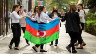 Perayaan di Baku menyambut kesepakatan.