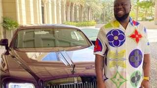 Hushpuppi n'imodoka ya Rolls Royce - yashize kuri konti ye ya Instagram