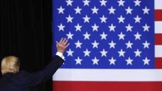 دونالد ترامپ با طرفداران خود در ایالت آیوا و پرونده استیضاح خداحافظی میکند